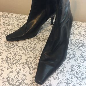 Stuart Weitzman Boots Black Leather Pointed Toe 8